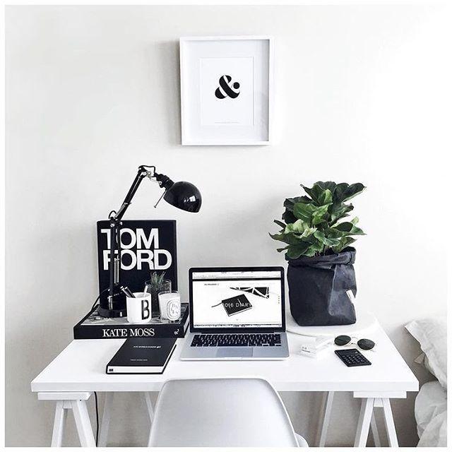 Monochrome #workspacegoals // via @workspacegoals on Instagram
