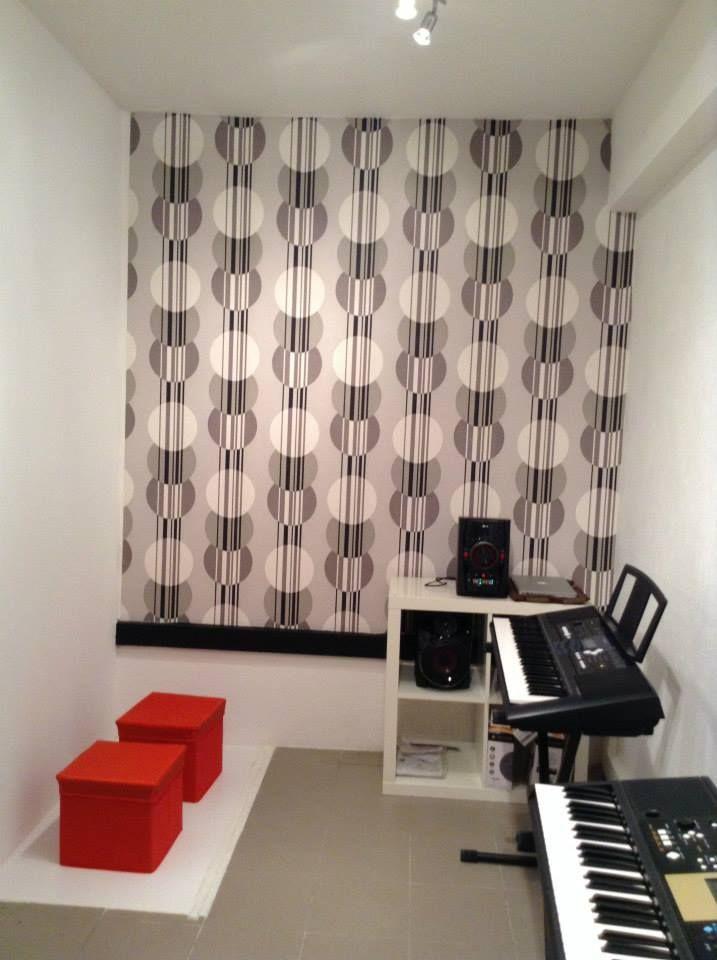 Pianos digitais na Arts2Science para aulas de piano.