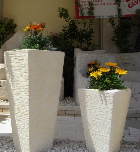 Fioriere realizzate in Pietra Leccese / Puglia / Salento