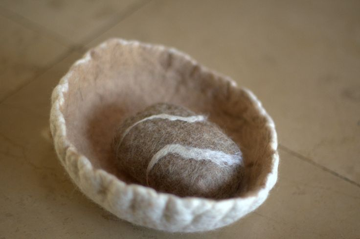Little bowl with funny soap. And it's all fleece :) JakSen