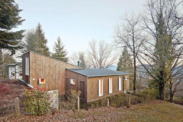Chalet préfabriqué dans les Pyrénées espagnoles par Mogas Arquitectes - Journal du Design