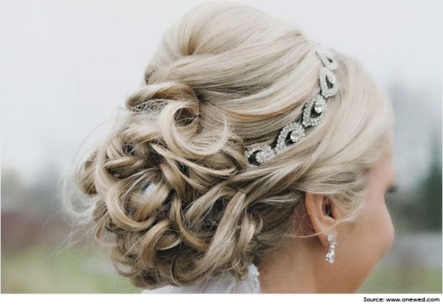 Cute And Gorgeous Hairstyles For Strapless Dresses