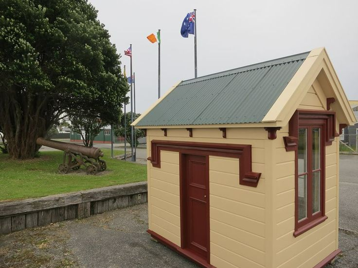 Old Custom House, rebuilt 2014 is on Gibson Quay at the end of Sewell Street. Built in 1897, this custom house originally faced the river. Import duties were first levied in Hokitika in 1865. By 1867 the revenue of Port Hokitika was second only to Dunedin and ahead of Auckland. That year 216 vessels arrived direct from Australia, making this river harbour the major entry port for the 1866/67 year.