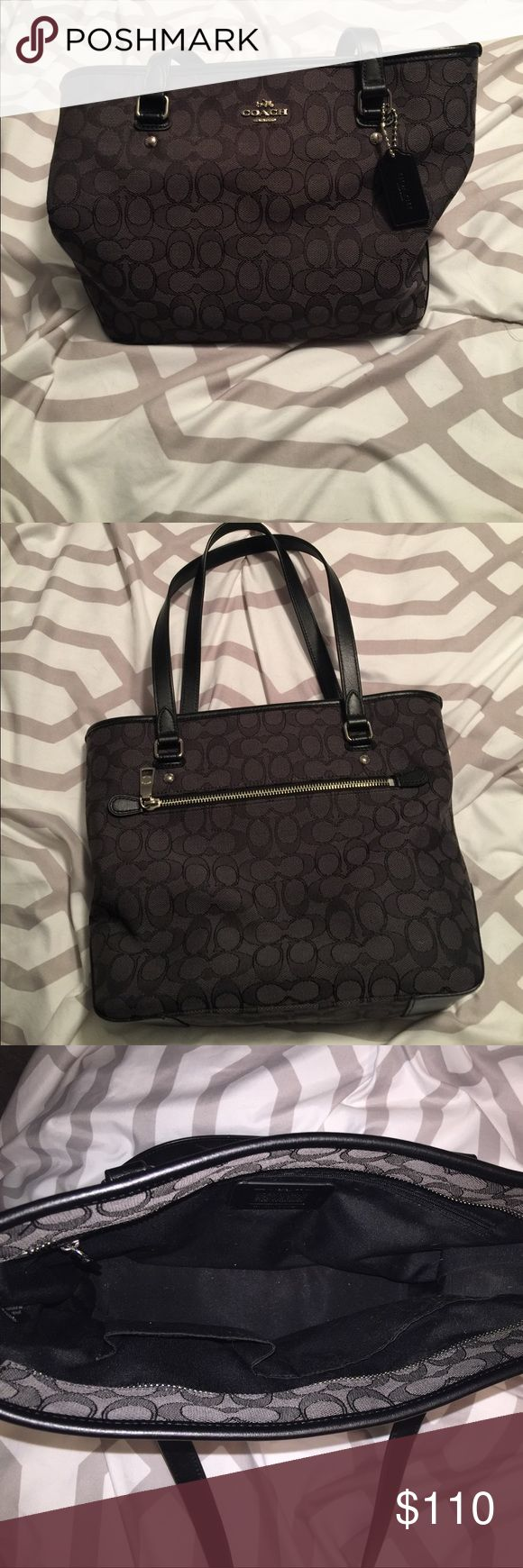 Black coach purse Excellent condition. Barely used Coach Bags
