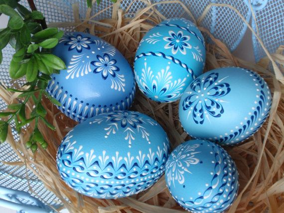 Set of 5 Easter Eggs in Blue, Decorated Chicken Eggs, Wax-Embossed Polish Pysanky, Kraslice