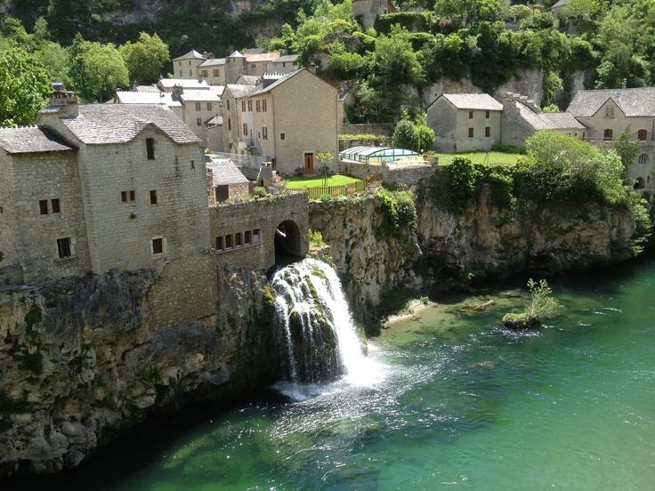 Saint Chély du Tarn, les résurgences du Causse Méjean dans les Gorges du Tarn