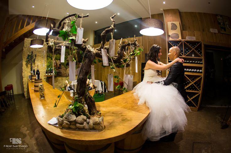 Rustic Bar - Wedding || Bar Rústico - Casamento || Decor: KupEventos || Venue: Quinta da Murta || Photography/Fotografia: Filipe Santiago Fotografia