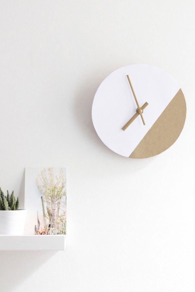 DIY Clock - Ikea Hack // Hëllø Blogzine www.hello-hello.fr #ikeahack #clock #diy