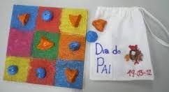 Resultado de imagem para «jogo do galo feito no jardim de infância com caixas de cd