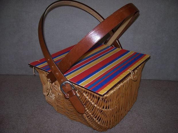 Picture of Create a rustic Picnic Basket with Liner