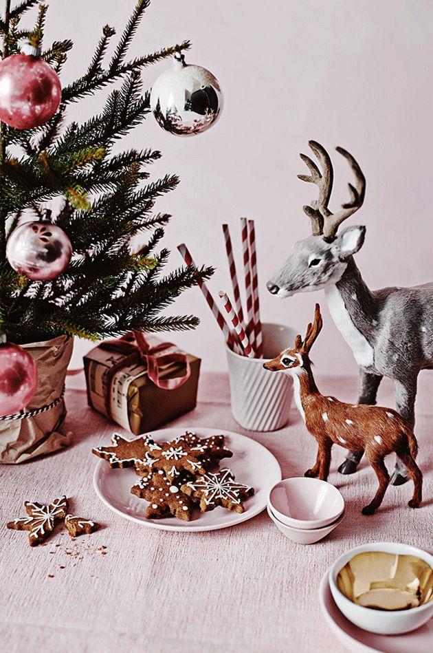 Festive kitsch. 12 inspirational festive Christmas table displays