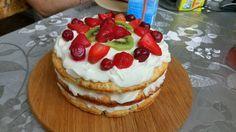 Вкуснейший торт из песочного теста  Мука — 450 г Сахар — 90 г Разрыхлитель — 4 г Сливочное масло — 130 г Желток — 1 шт Молоко — 155 г