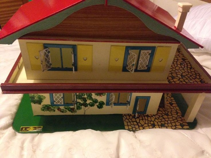 Collectible Vintage 70s Alpine Style Wooden Dolls House