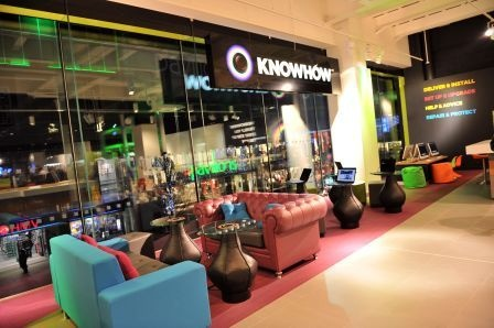 Another view of the relaxing yet functional and funky Knowhow area in our Currys PC World Black store