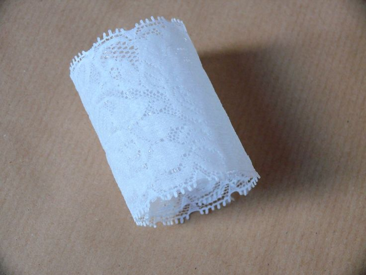 Simple tutorial so you can make your own lace napkin rings for your rustic or vintage styled wedding