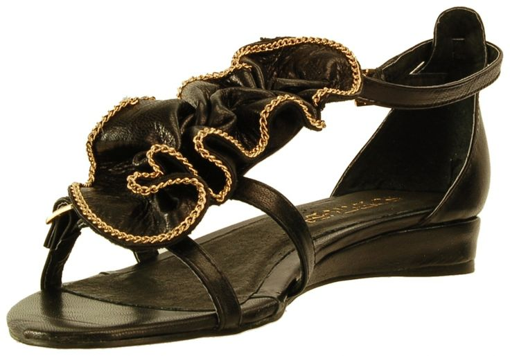 Supertrash Black Ruffled Sandals – Shoes « Mac & Mango