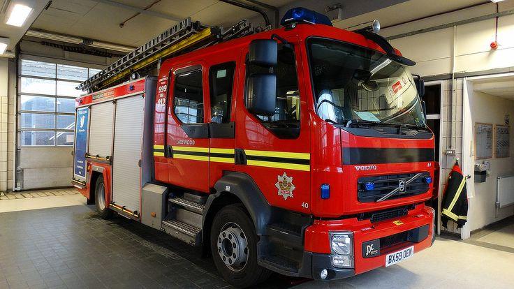 West Midlands Fire Service [C071] | Pump Rescue Ladder | Volvo FL | BX59 OEN | Flickr - Photo Sharing!