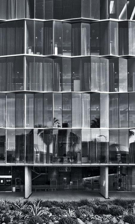 atimeforacoffee: facade glass #modern #architecture