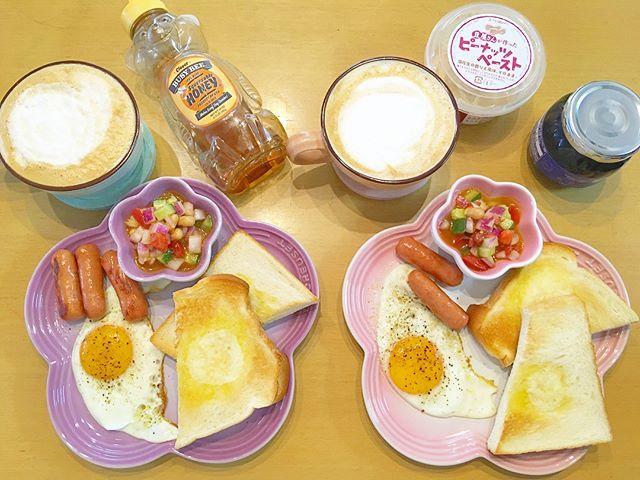 . . 今日は、はるくんお休みで 珍しく朝食ちゃんと作った🍳 . いつもはトースト焼くだけ🍞笑 . . うちは用事あったから留守番して はるくんがEXレイドやりに 行ってくれて、無事ミゥウツーget😍! . 2人とも捕まえれて良かった〜〜😂✨ . . 伝説はフリーザーとエンテイとホウオウ 捕まえ損ねたな〜😔 . またレイドで出んかな?😕 . . #morning #モーニング #朝食 #🍳 #ポケモン #ポケモンgo #pokemongo #ミゥウツー #exレイドバトル #baby #babygirl #赤ちゃん #ベビー #ベビーコーデ #生後5ヶ月 #女の子 #女の子ママ #女の子ベビー #コドモノ #ママリ #ベビフル #親バカ部 #親バカ部ig_baby #ルクルーゼ #lecruset