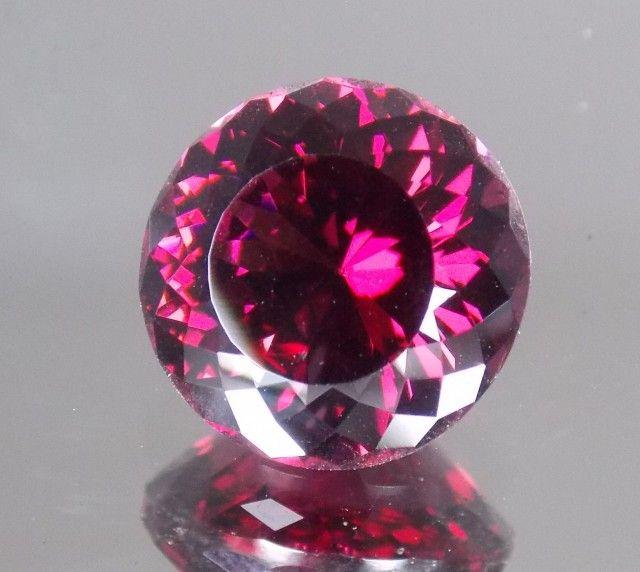 7.091ct Master Cut Malaya Garnet pink gemstone, pink garnet  , gemstone
