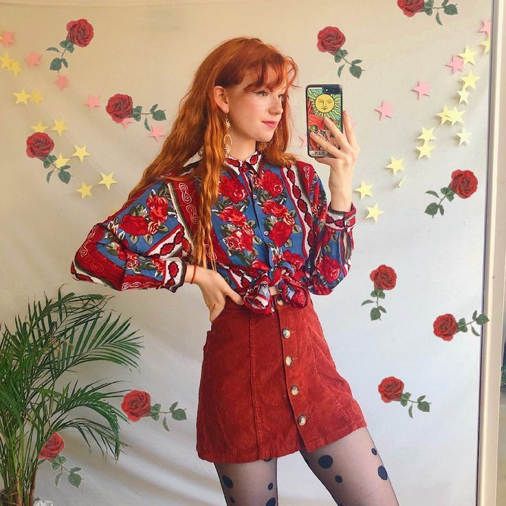 Love❤️🥀 Gorgeousss vintage long sleeved button up unique art shirt top. W…