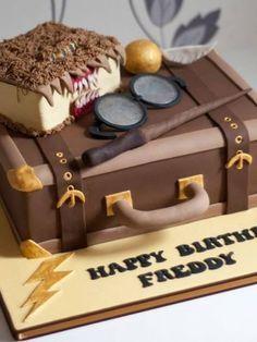 Bolos decorados do Harry Potter - http://www.boloaniversario.com/bolos-decorados-do-harry-potter/
