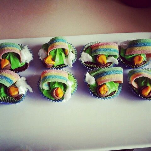 Pot of gold cupcakes st Patrick's day