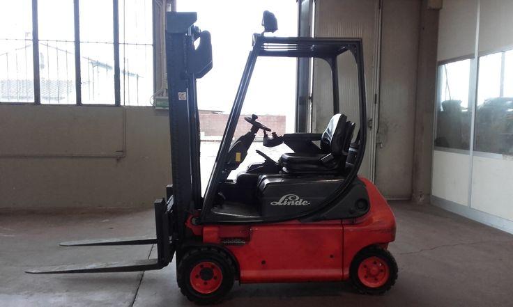 LIFT UP s.r.l. - Prodotti - carrelli elevatori nuovi ed usati, noleggio carrelli elevatori, assistenza e riparazione carrelli elevatori