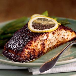 Barbecue Roasted Salmon - 314 calories per serving - this recipe looks SO good!