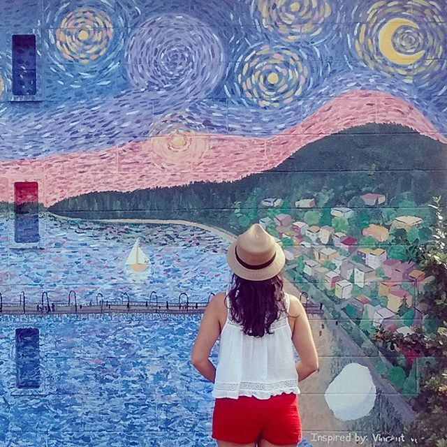 """GOGH""  24 Colourful Walls In Vancouver To Take The Perfect Instagram - Narcity"