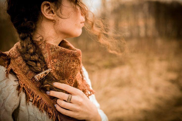 Заколка-брошь и кольцо. Материал: рог лося. Пирография. Hairpin-brooch and a ring. Material: elk horn. Pyrography.