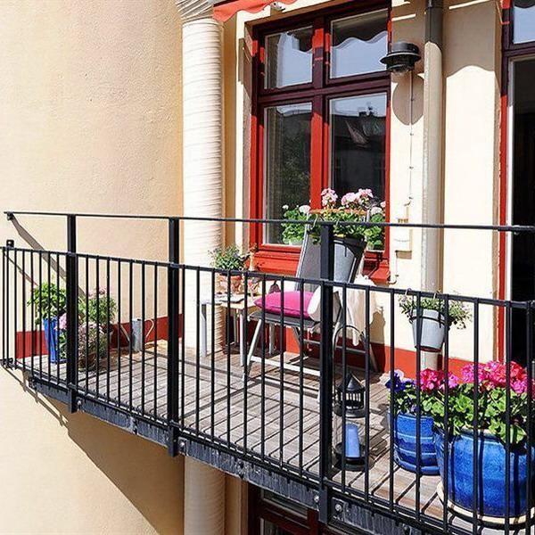 21 Grune Ideen Fur Einen Schonen Balkon Mit Blumen Dekorieren Balkonentwurf Kleiner Balkon Design Wohnung Balkon Dekoration