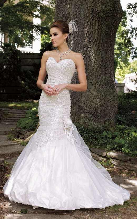 Directory / Wedding dresses / David Tutera
