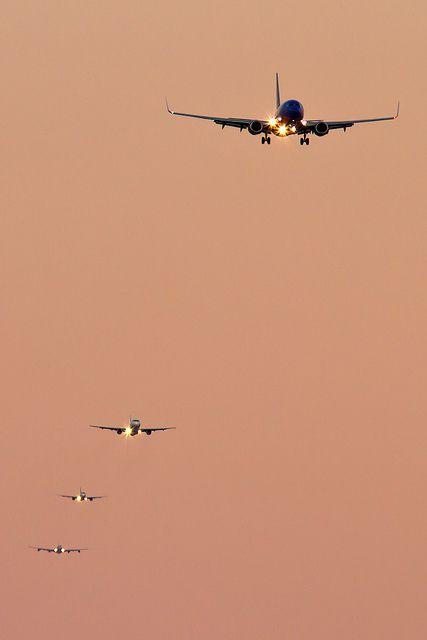RWY 27 final approach sequence at Boston-Logan (KBOS) International Airport by Ronald Stella, via Flickr