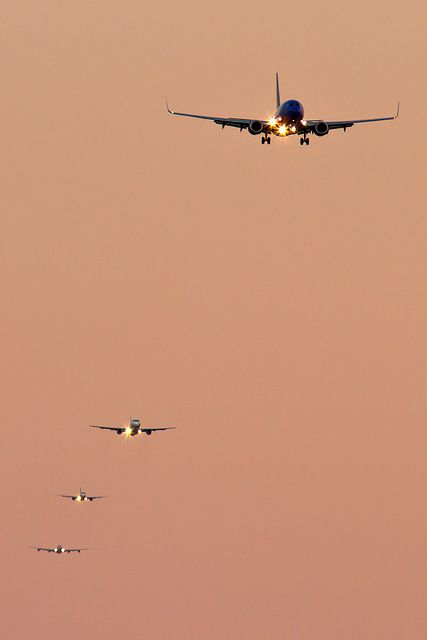RWY 27 final approach sequence at Boston-Logan (KBOS) International Airport by Ronald Stella, via Flickr