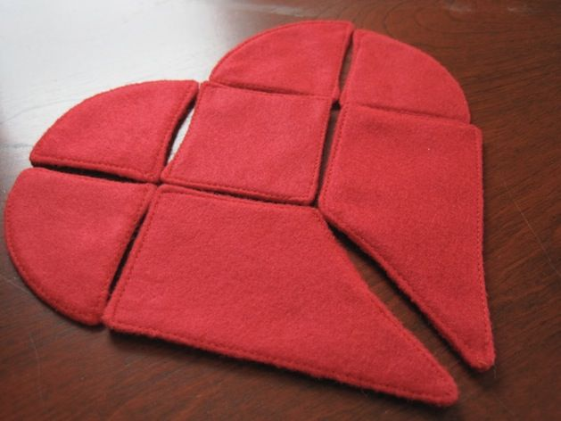 Can you fix this broken heart? From Simply Fun Stuff, here's a tangram puzzle with a downloadable pattern that works as a last minute handmade V-day gift, or as a night-before-Valentine craft for kids.