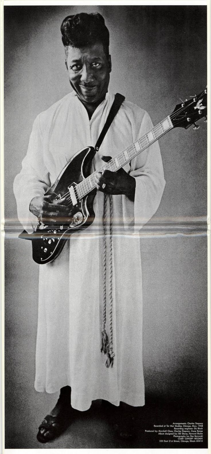 """Inside cover of Muddy Waters' album """"Electric Mud"""" (Cadet Concept Records LPS 314, May 1968). Photo by Ron Borowski."""