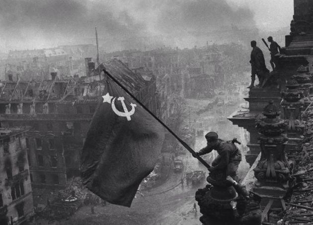Rusos tomando un edificio fin de la Guerra