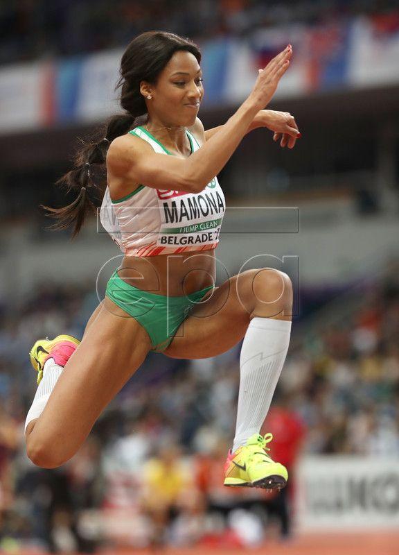 epa05829782 Patricia Mamona of Portugal competes in the Women's Triple Jump final at the European Athletics Indoor Championships in Belgrade, Serbia, 04 March 2017. EPA/SRDJAN SUKI