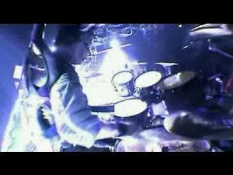 Joey Jordison of Slipknot doing an amazing drum solo.