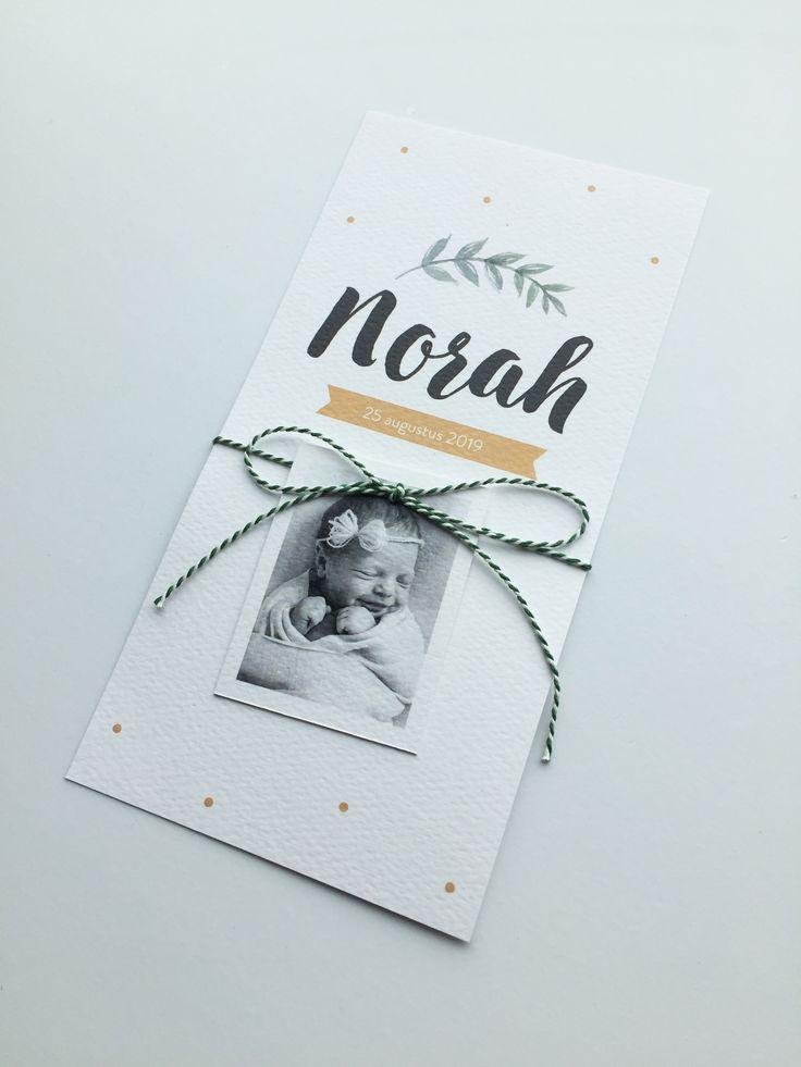 Schattig geboortekaartje voor een meisje met een DIY fotolabel. Doe er zelf een bijpassend touwtje omheen! | Geboortekaart | Geboortekaartjes | Labels | DIY |