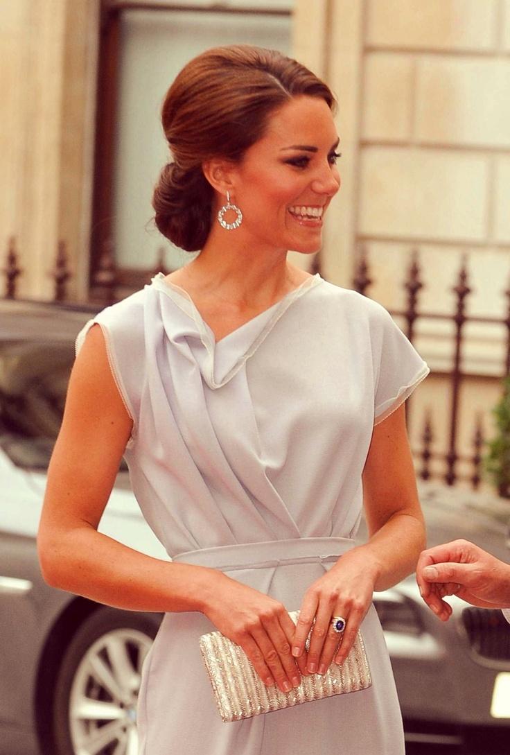 so pretty! in 2020   Fashion, Kate middleton, Kate ...
