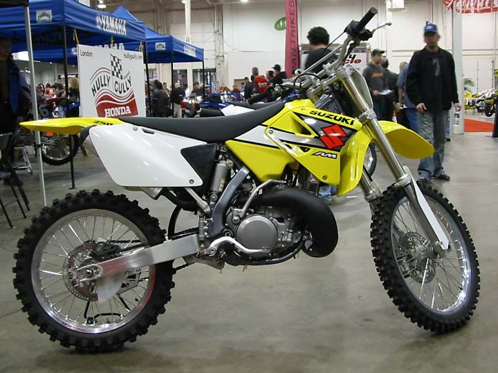 suzuki dirt bike~ my best friend had one of these ~~<3 i really really wanted it!!!