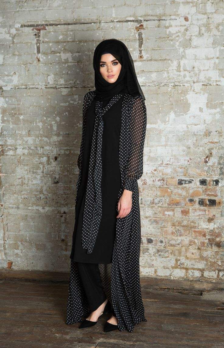 Hijab Fashion 2016/2017: Polka Tie Kimono | Aab  Hijab Fashion 2016/2017: Sélection de looks tendances spécial voilées Look Descreption Polka Tie Kimono | Aab