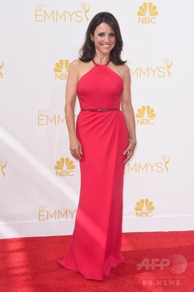 第66回プライムタイム・エミー賞(Primetime Emmy Awards)のレッドカーペットに登場した女優ジュリア・ルイス・ドレイファス(Julia Louis-Dreyfus、2014年8月25日撮影)。(c)AFP/Getty Images/Frazer Harrison ▼26Aug2014AFP|【写真】第66回エミー賞のレッドカーペット http://www.afpbb.com/articles/-/3024084