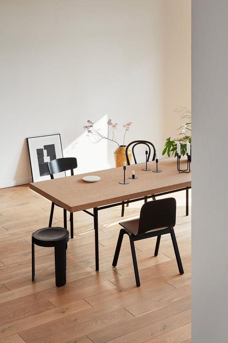 Dining table living room interior Berlin deco Werftstraße 2 | Fantastic Frank