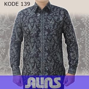 Kemeja Batik Pria Terlaris Kode 139 ini merupakan batik cap yang terbuat dari bahan katun. Dibuat dengan jahitan yang rapih dan nyaman saat dipakai.