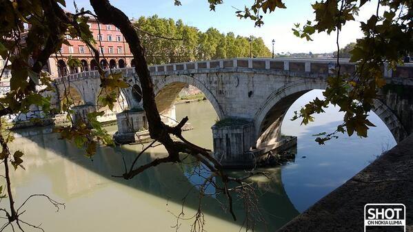 #Romaè il Lungotevere, il suo fiume, i suoi ponti, i suoi alberi e le storie da raccontare...  Scatto di @Valentina Cinelli con @Nokia Italia #Lumia1020