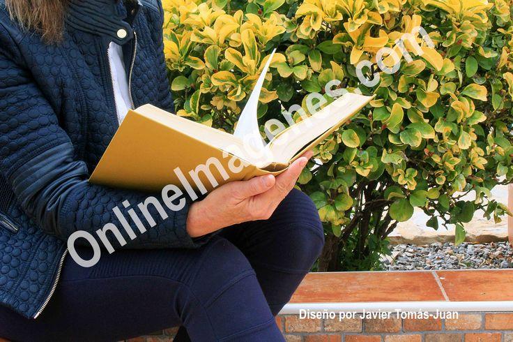 Compra imagen online para informar sobre los síntomas visuales percibidos en visión cercana al leer por la presbicia o también conocida como vista cansada. Proporciona información mediante estrategias de marketing digital de contenidos en páginas webs y redes sociales.