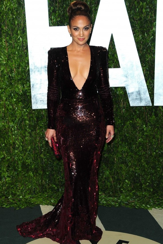 JENNIFER LOPEZ in a plunging Zuhair Murad plum sequined dress at Vanity Fair Oscar Party